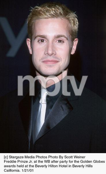 "Freddie Prinze Jr.""Golden Globe Awards: WB After Party 2001,"" 1/21/01. © 2001 Scott Weiner - Image 17607_0104"