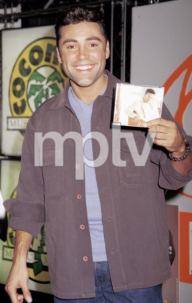Oscar De La Hoya during a press conference launch for his CD, 2000. © 2000 Ariel Ramerez - Image 17705_0102
