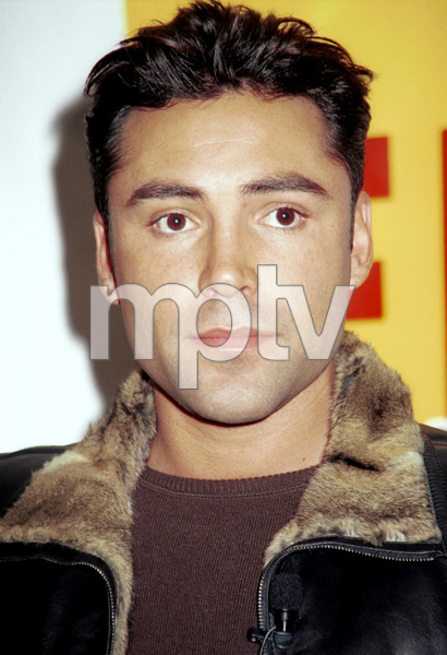 Oscar De Lahoya during a press conference launch for his CD, 2000. © 2000 Ariel Ramerez - Image 17705_0105