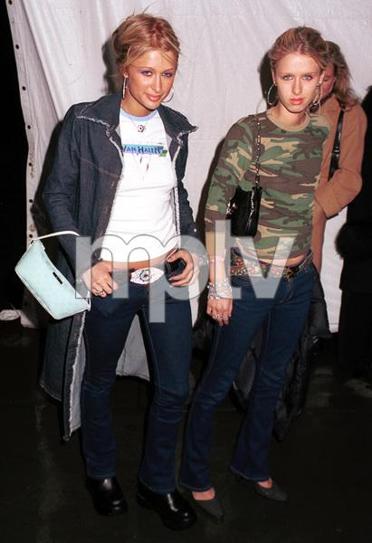 """""""Hannibal"""" NY Post Premiere Party, 2/01.Paris Hilton, Nikki Hilton © 2001 Ariel Ramerez - Image 17767_0124"""