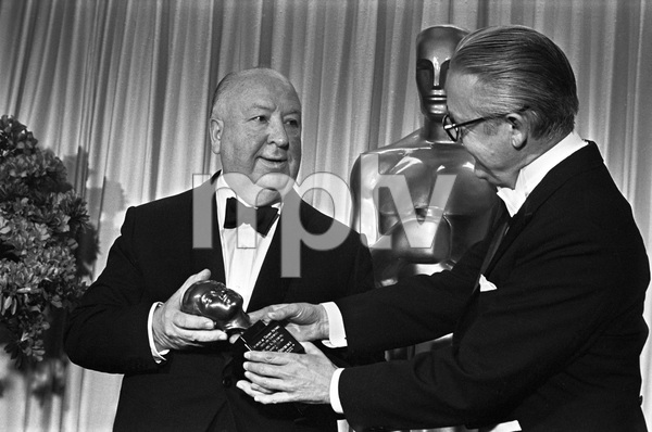 """""""The 40th Annual Academy Awards""""Alfred Hitchcock, Robert Wise1968 © 1978 Bud Gray - Image 1799_0040"""