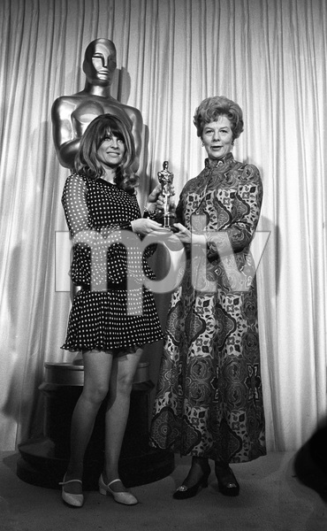 """""""The 39th Annual Academy Awards""""Julie Christie, Wendy Miller1967 © 1978 Bud Gray - Image 1808_0040"""