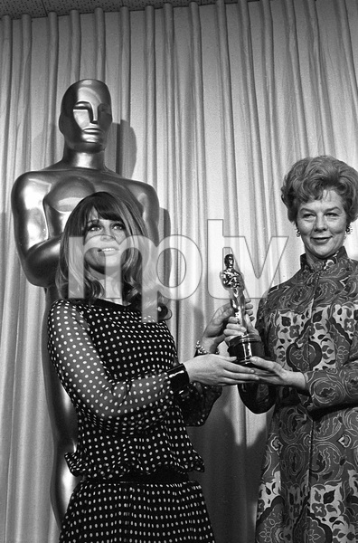 """""""The 39th Annual Academy Awards""""Julie Christie, Wendy Miller1967 © 1978 Bud Gray - Image 1808_0041"""