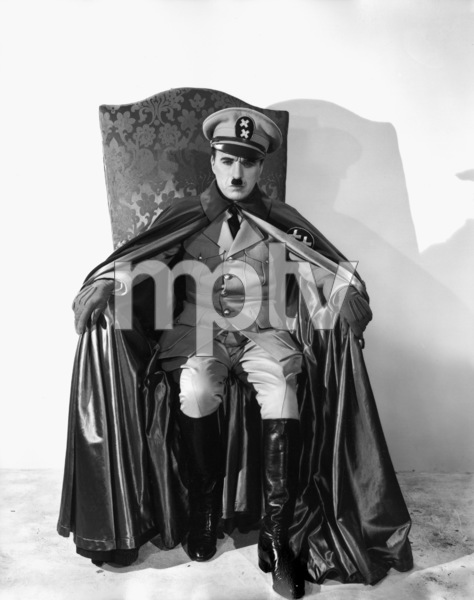 """The Great Dictator""Charles Chaplin1940 United ArtistsPhoto by William Wallace** I.V. - Image 18133_0003"