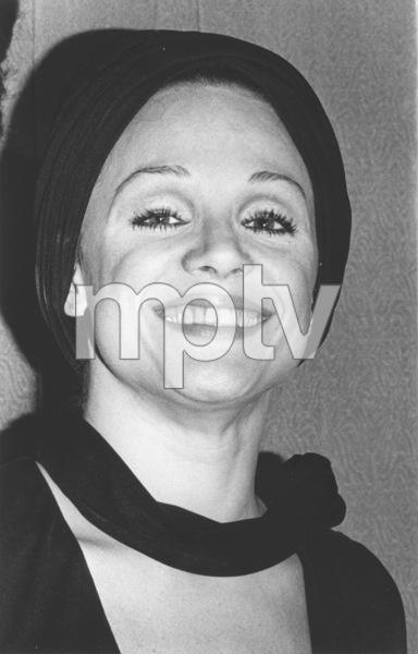 """Golden Globe Awards"" 1972Valerie Harper © 1978 Kim Maydole Lynch - Image 18294_0006"