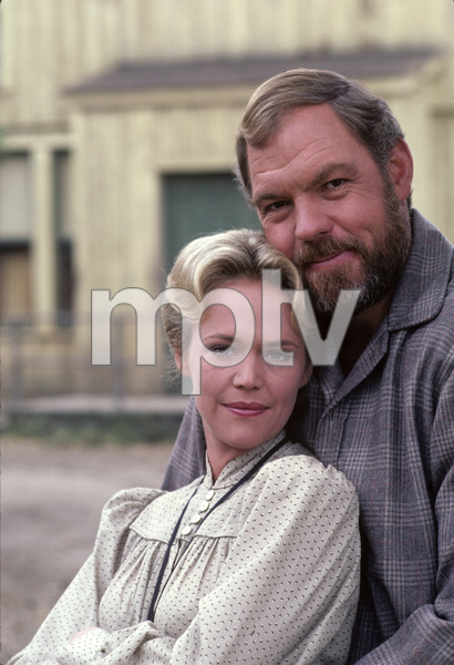 """Father Murphy""Merlin Olsen, Katherine Cannon1982 © 1982 Gene Trindl - Image 18308_0003"