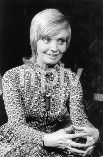 """Foreign Press Interview"" 1971Florence Henderson © 1978 Chester Maydole - Image 18406_0001"