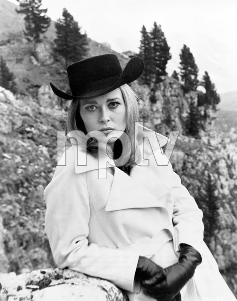 Faye Dunaway,A PLACE FOR LOVERS, MGM 1968, IV - Image 1901_0003