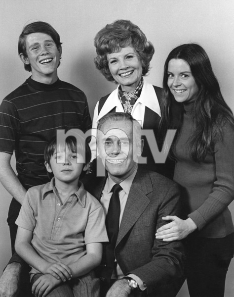 """The Smith Family""Ron Howard, Janet Blair, Darleen Carr, Michael-James Wixted, Henry Fonda1971Photo by Wynn Hammer - Image 1917_0005"