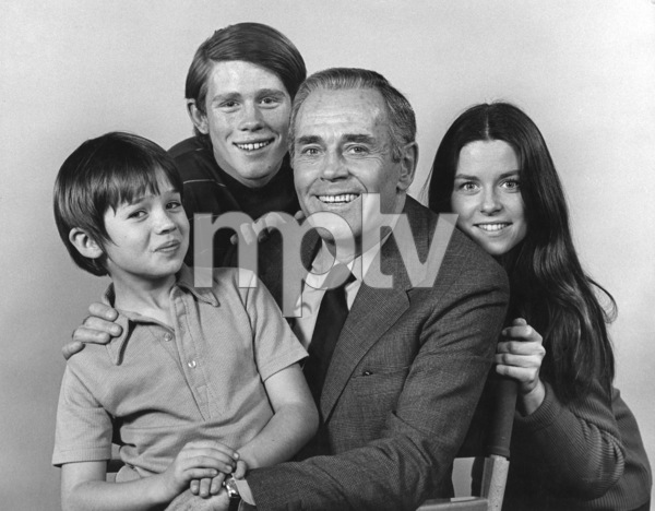 """The Smith Family""Michael-James Wixted, Ron Howard, Henry Fonda, Darleen Carr1971Photo by Wynn Hammer - Image 1917_0006"
