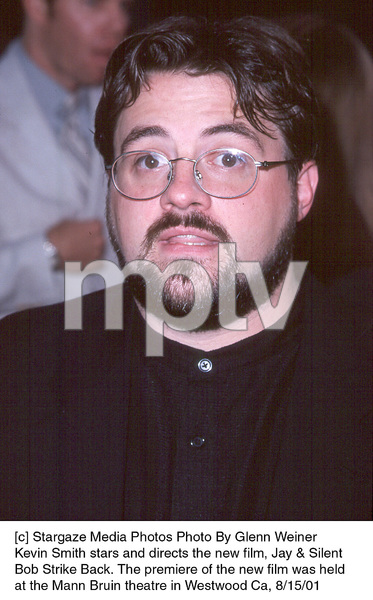 Kevin Smith stars and directs the new film, Jay & Silent Bob Strike Back. The premiere of the new film was held at the Mann Bruin theatre in Westwood Ca, 8/15/01. © 2001 Glenn Weiner - Image 19200_0113