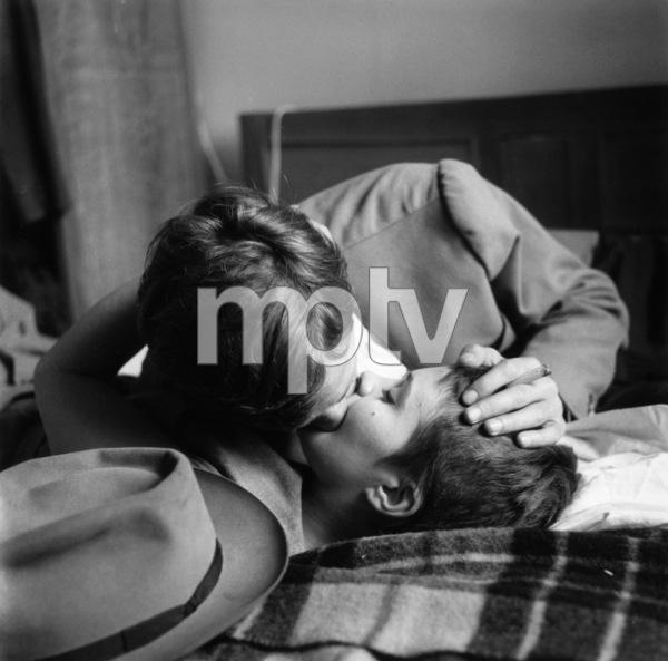 """Breathless"" (aka ""À bout de souffle"")Jean Seberg, Jean-Paul Belmondo1960** I.V. - Image 19595_0003"