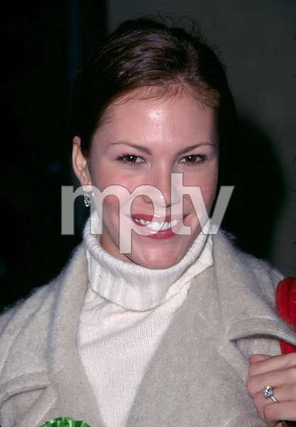Nikki Cox at the Hollywood Christmas parade in Hollywood California. 11/25/01 © 2001 Scott Weiner - Image 19710_0125