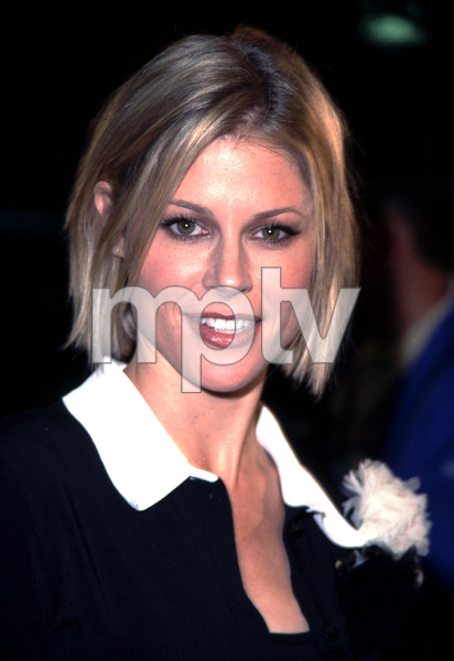 Julie Bowen arrives at the premiere of her new film,Joe Somebody. Held at the Mann Village theater in Westwood California 12/19/01. © 2001 Glenn Weiner - Image 19766_0105