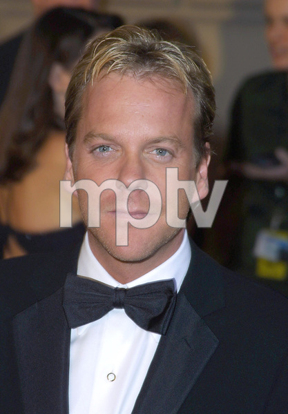 Kiefer Sutherland at the 28th annual Peoples Choice awards in Pasadena Ca. 1/13/02 © 2002 Glenn Weiner - Image 19804_0120