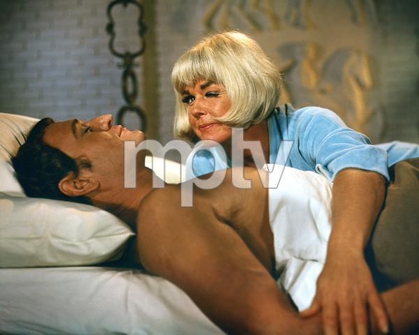 """Caprice""Doris Day, Richard Harris1967 Twentieth Century Fox**I.V. - Image 19993_0003"