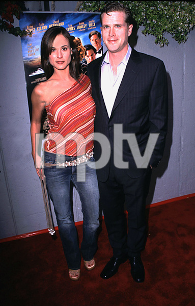 """Cats Meow"" Premiere 4/10/02 Cary Elwes and wife Lisa Marie © 2002 Scott Weiner / MPTV - Image 20087_0105"