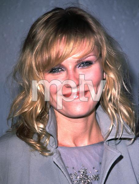 """""""Cats Meow"""" Premiere 4/10/02 Kirsten Dunst © 2002 Scott Weiner / MPTV - Image 20087_0112"""