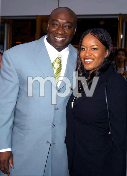 """The Scorpion King"" Premiere 4/17/02Michael Clarke Duncan and date © 2002 Glenn Weiner - Image 20119_0117"
