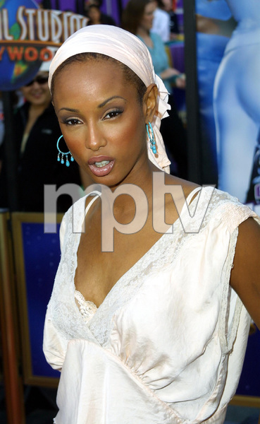 """""""Undercover Brother"""" Premiere 5/30/02Trini McGee © 2002 Glenn Weiner - Image 20203_0152"""