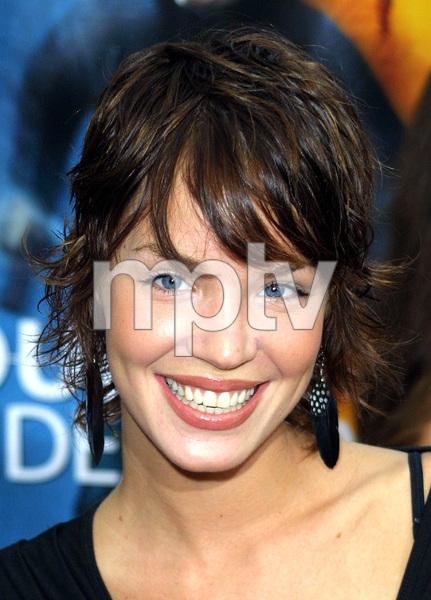 """""""Bourne Identity"""" Premiere 6/06/02Ashley Scott © 2002 Glenn Weiner - Image 20212_0103"""