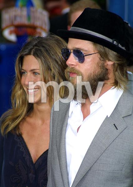 """Bourne Identity"" Premiere 6/06/02Jennifer Aniston and Brad Pitt © 2002 Glenn Weiner - Image 20212_0105"