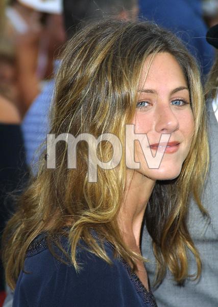 """""""Bourne Identity"""" Premiere 6/06/02Jennifer Aniston © 2002 Glenn Weiner - Image 20212_0121"""