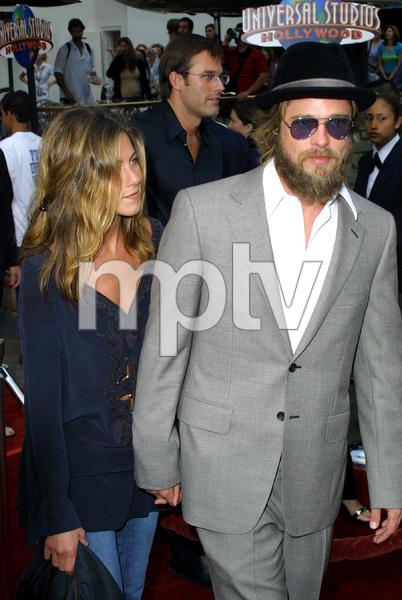 """Bourne Identity"" Premiere 6/06/02Jennifer Aniston and Brad Pitt © 2002 Glenn Weiner - Image 20212_0122"