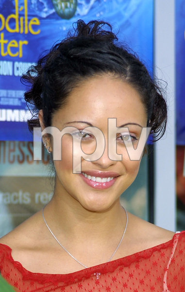 """The Crocodile Hunter: Collision Course"" Premiere6/29/02Marisa Ramirez © 2002 Glenn Weiner - Image 20304_0112"