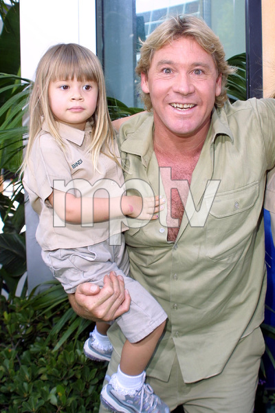 """The Crocodile Hunter: Collision Course"" Premiere6/29/02Steve Irwin with daughter © 2002 Glenn Weiner - Image 20304_0121"