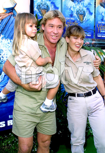 """The Crocodile Hunter: Collision Course"" Premiere6/29/02Steve Irwin with wife Terri and daughter © 2002 Glenn Weiner - Image 20304_0125"