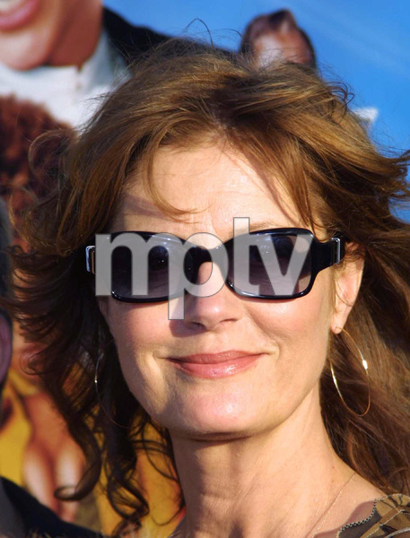 (C)Stargaze Media Photos Photo By Scott wEINERSusan Sarandon arrives at the film premiere Austin Powers in Goldmember to view the latest Austin Powers feature . The showing was held in Universal City, California 7/22/02 - Image 20321_0208