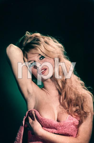 "Brigitte Bardotpublicity still for ""Voulez-Vous Danser Avec Moi?""1959**I.V.MPTV - Image 2043_0098"