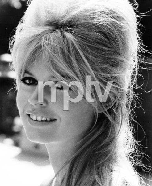 """Brigitte Bardoton the set of """"A VERY PRIVATE AFFAIR"""" / 1961**I.V. - Image 2043_0121"""