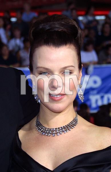 Tuxedo, The: PremiereDebi MazarMann Chinese Theater, Hollywood, CA  9/19/02 © 2002 Glenn Weiner - Image 20474_0117