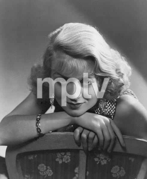 Constance Bennett1934 - Image 2067_0020