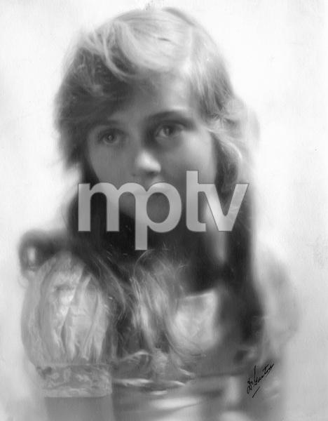 Constance Bennett portrait, photo by DeGaston circa 1916, I.V, - Image 2067_0021