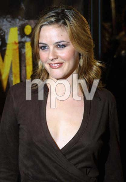 8 Mile PremiereAlicia SilverstoneMann Village Theater in Westwood, CA 11/06/02 © 2002 Glenn Weiner - Image 20716_0100