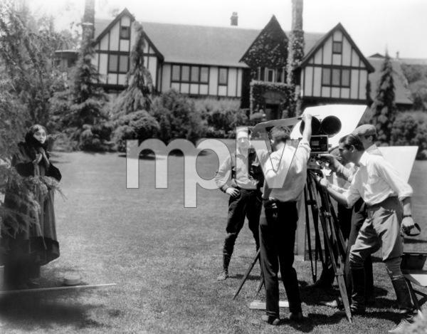 """""""Trifling Women""""Barbara LaMarr1922 Metro Pictures**I.V. - Image 21069_0005"""