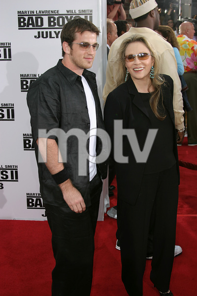 """Bad Boys 2"" Premiere  7-9-03Faye Dunawaye and Liam © 2003 Sam Kweskin - Image 21319_0141"