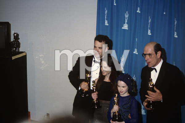 """The 66th Annual Academy Awards""Tom Hanks, Holly Hunter, Anna Paquin, Tommy Lee Jones 1994 ** I.V. - Image 21399_0009"