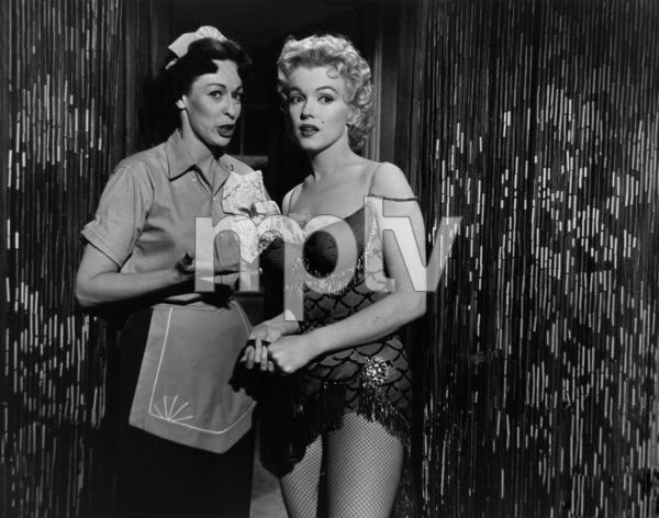 """Bus Stop""Eileen Heckart, Marilyn Monroe1956 20th Century Fox** I.V. - Image 21402_0030"