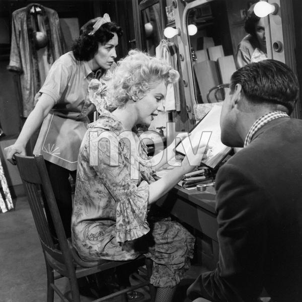 """Bus Stop"" Eileen Heckart, Marilyn Monroe 1956 20th Century Fox ** I.V. - Image 21402_0071"