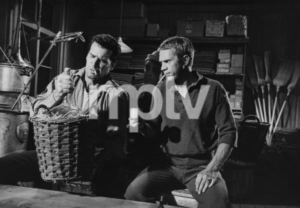 """The Great Escape""James Gardner and Steve McQueen1963 UA**I.V. - Image 21433_0019"