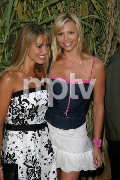 """""""Jeepers Creepers 2"""" Premiere 8-25-03Bobbi Sue Luther & FriendPhoto By Sam Kweskin - Image 21434_0073"""