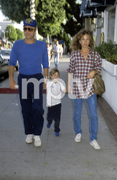 James Caan with Sheila Ryan and son Scottcirca 1980s© 1980 Gary Lewis - Image 2145_0029