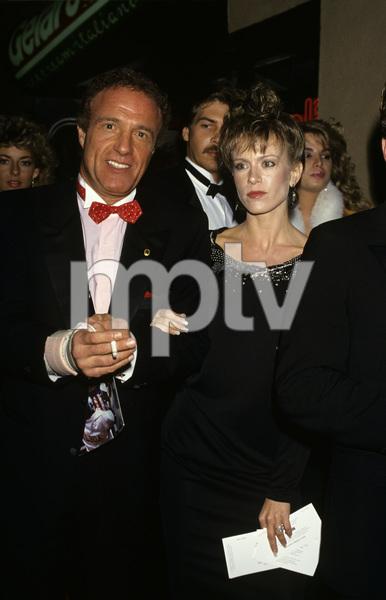 James Caan and Sheila Ryancirca 1980s© 1980 Gary Lewis - Image 2145_0030