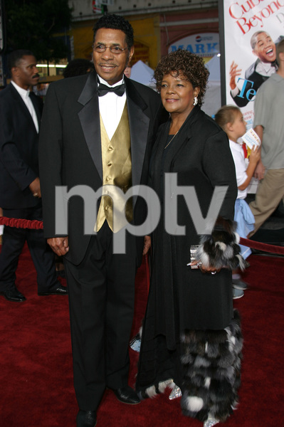 """The Fighting Temptations"" Premiere9-17-2003Reverend Shirley Caesar and husbandPhoto by Sam Kweskin - Image 21512_0023"