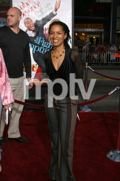 """The Fighting Temptations"" Premiere9-17-2003Elizabeth Hunter (Writer)Photo by Sam Kweskin - Image 21512_0045"