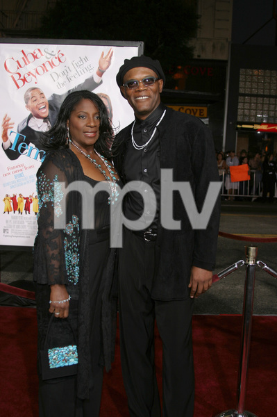 """The Fighting Temptations"" Premiere9-17-2003Samuel L. Jackson and wife LaTonya RichardsonPhoto by Sam Kweskin - Image 21512_0100"